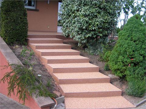 Terrassen- und Balkonböden / Details Stufen