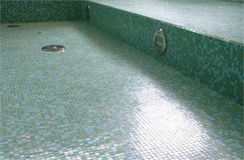 Hotel Schwimmbäder / Einbauten
