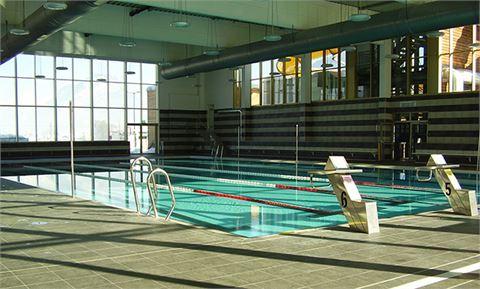 Öffentliche Schwimmbäder / Innenbecken