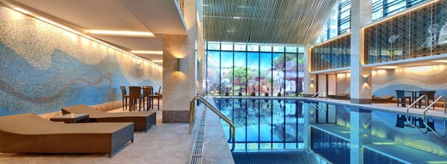 Öffentlich und Hotel Schwimmbäder